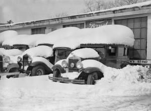 Vintage-Snow-Storm-3