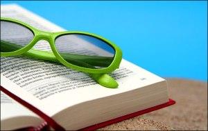 book-sunglasses-beach_h528